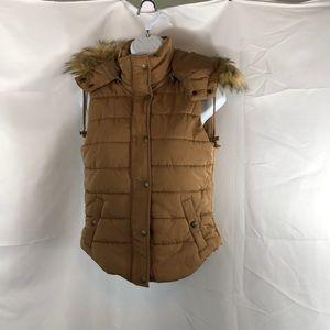 Love Tree Sleeveless Vest Faux Fur W/Hood Small